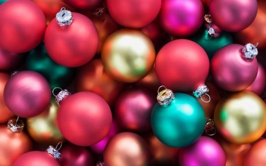 Fondos de Pantalla Bolas de Navidad de colores