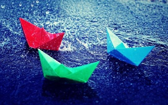 Barcos de papel de Colores