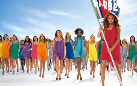 Chicas de Colores