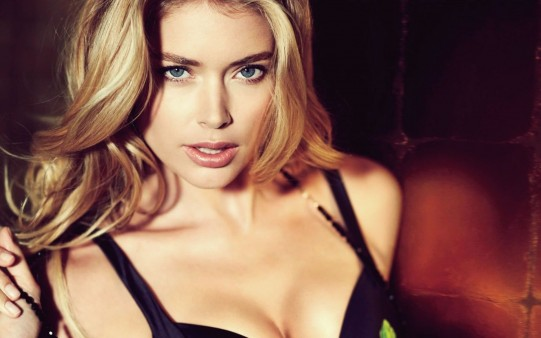 Doutzen Kroes Wallpaper